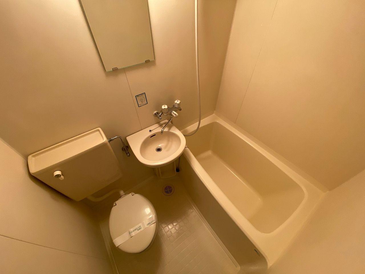 シャワーカーテンはご用意願います