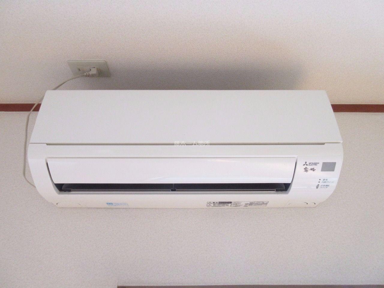 快適な空間を創るエアコンを標準装備(2015年三菱製)