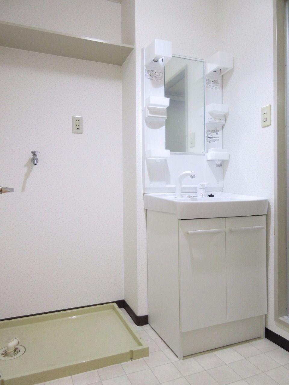 新品の独立洗面台&防水洗濯パンが標準装備です
