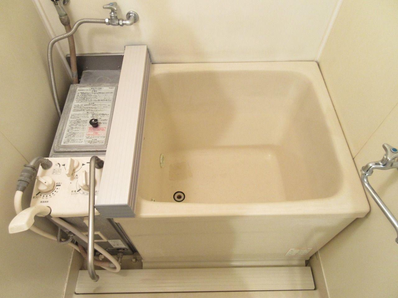 昔のタイプお風呂ですが追い焚き機能が付いています