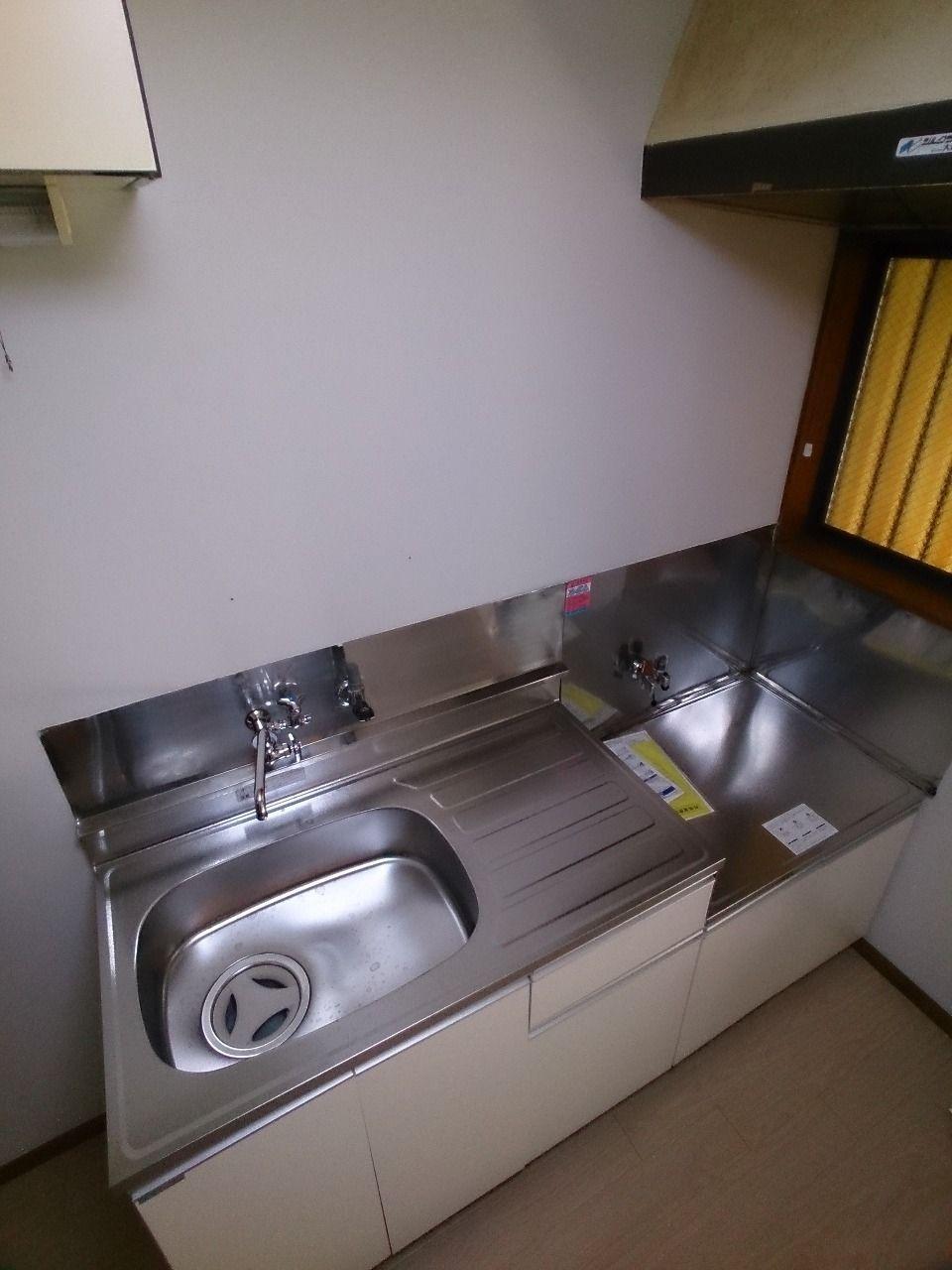瞬間湯沸し器は入居者様にて設置して下さい