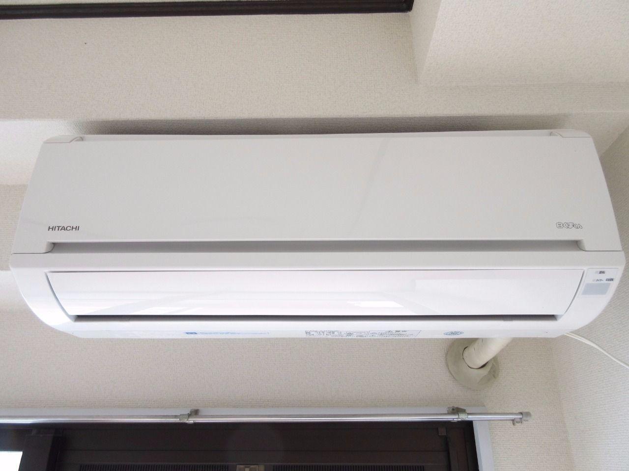 快適な空間を創るエアコンを標準装備(2013年日立製)