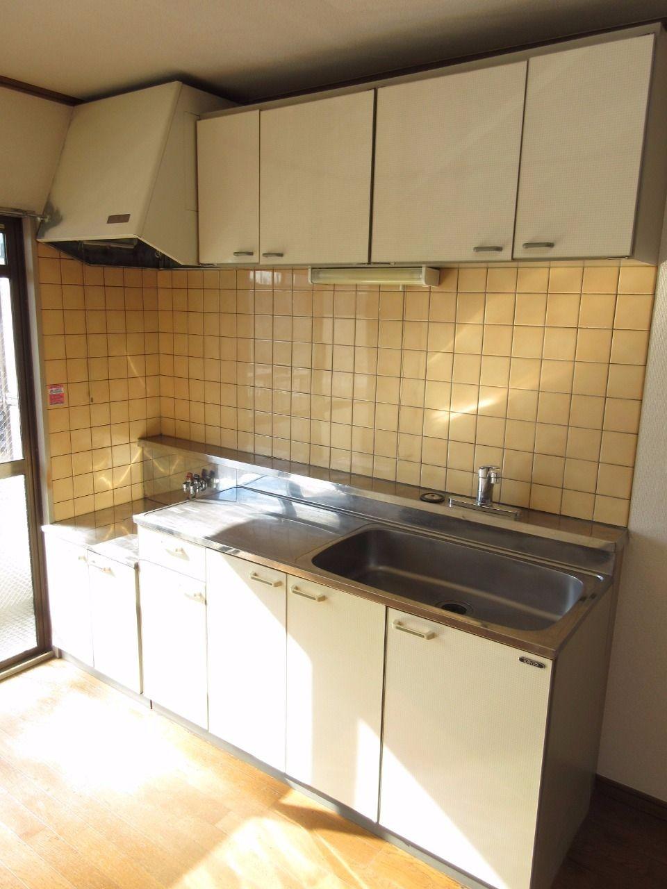 ガスコンロはご用意しなければなりませんが、広めのキッチンなので料理がしやすいです