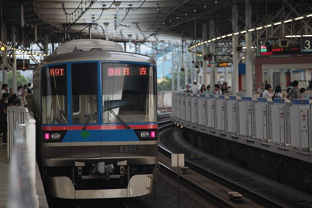 みなさまこんにちは。 弊社の最寄駅でもある都営三田線『高島平駅』。 いつもお世話になっている都営三田線が開業してから50年目を迎えるようです。 これに伴い、記念イベントが開催されています。