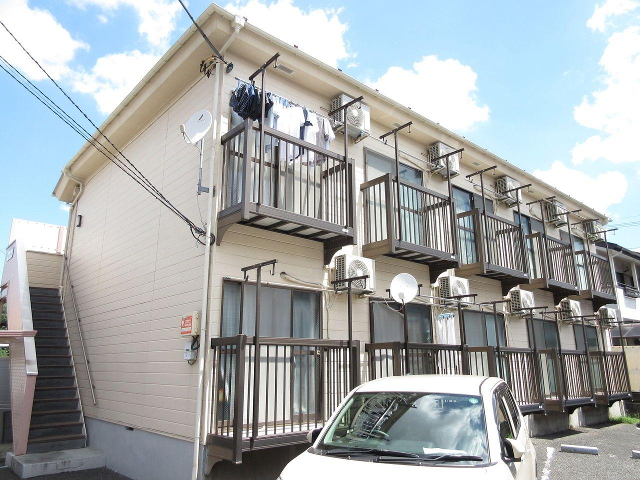 【板橋区高島平の賃貸アパート】~敷地内に駐車場がある単身者物件って珍しくないですか?・ヴォンビューラ202号室~