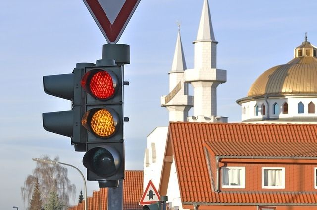 4月6日~15日は春の全国交通安全運動が行われます。 その期間中の4月7日に、交通安全のつどいが開かれるようです。