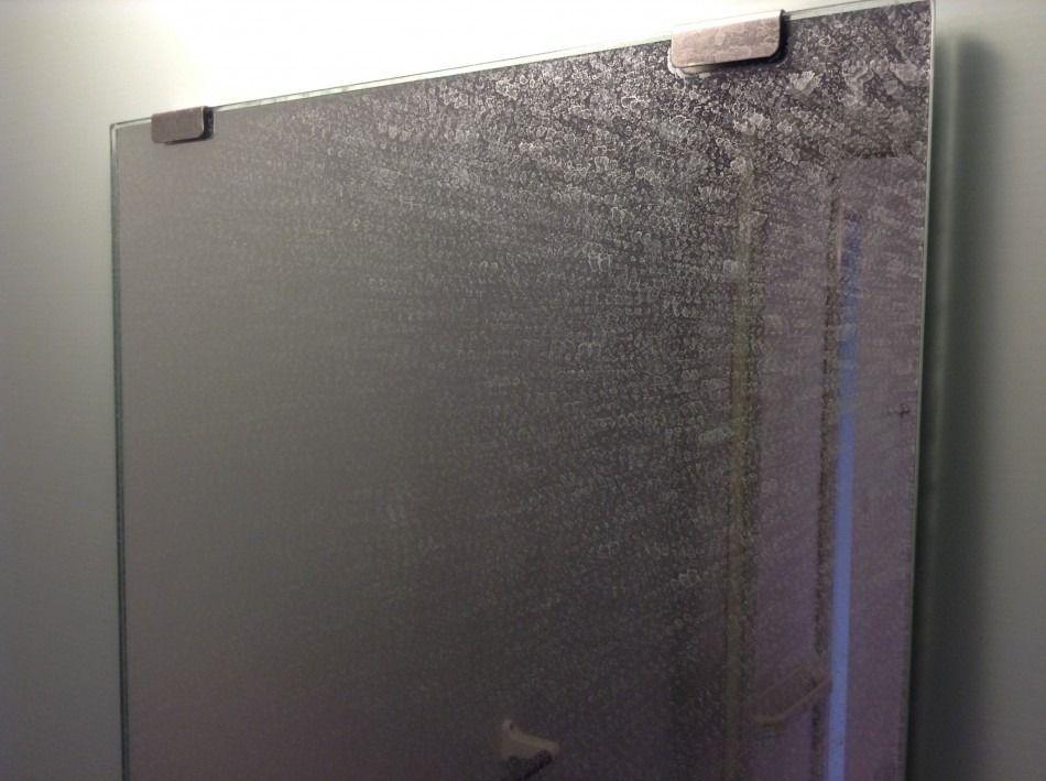 浴室の鏡の汚れについて