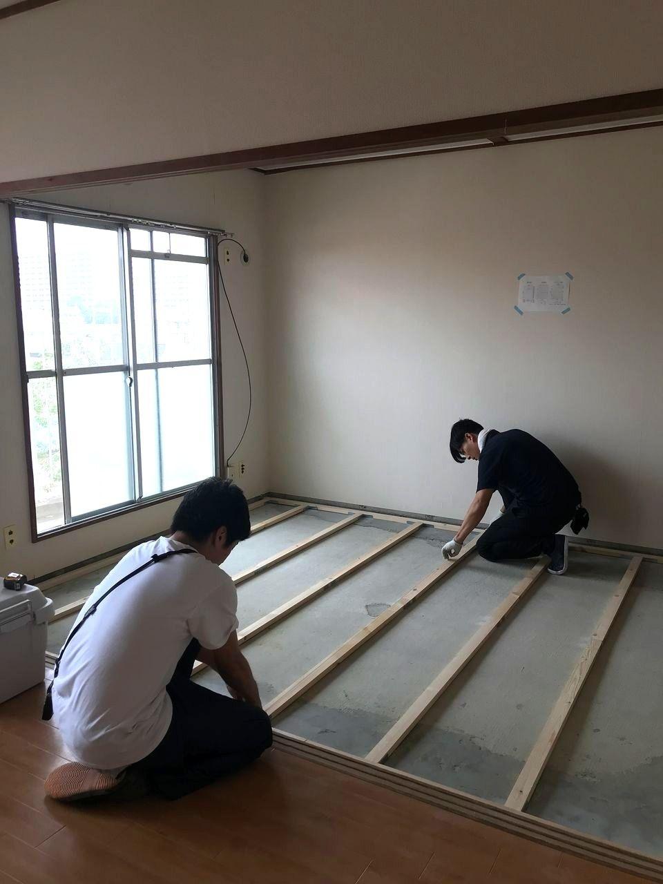 前回のブログでは、床の高さの問題点の改善策を思いついてところで終わりました。 今回は実際にその改善策の作業に移っていきます。