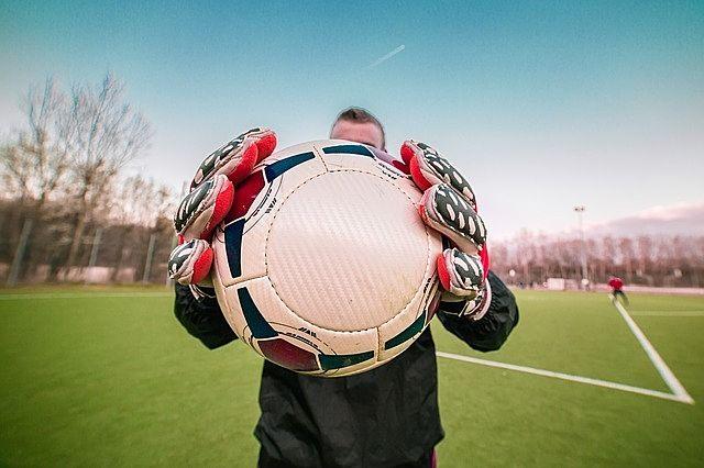 みなさまこんにちは。 都立高島高校でサッカーのゴールキーパーのクリニックが開かれるようです。
